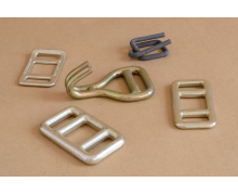 Buckles for one - way lashing